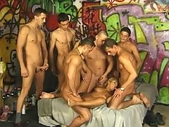Bunch of dudes share a blonde hottie