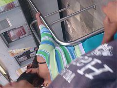Culo grande en el metro