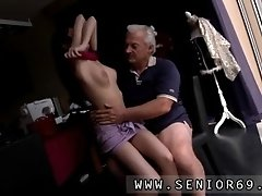 Horny Senior Bruce Catches Sight Of A Lovely Doll Sitti