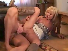 Amateur mature in boots gets laid