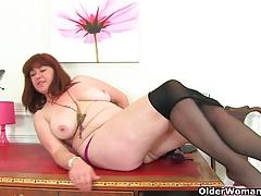 British MILF Janey Works Her Hairy Pussy