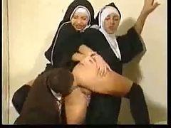 Nuns Job Nonnenarbeit