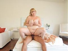 Lusty Big Tit Blonde Plumper Lila Lovely