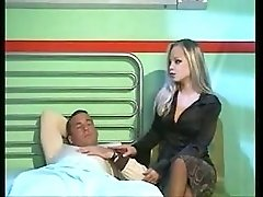 Female nurse starts a hot hospital 4 way
