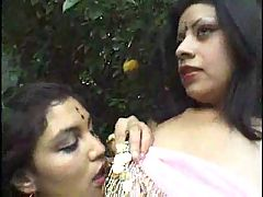 Lesbienne toys Indian