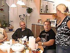 Happy Hausfrau 2