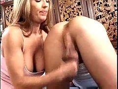 Darien Ross rides cock