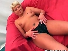 Awesome blonde hoe milf sucks stiff cock and gets fucke