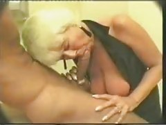 Old slut picked up and does a bj