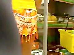 Upskirt in Supermarket No panties Milf