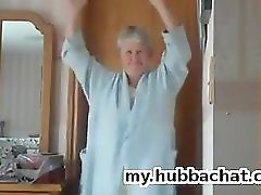 Amateur Mature nighty dance