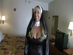 Schwanzgeile Nonne gefickt