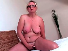 Pretty Plump And Blonde Solo MILF