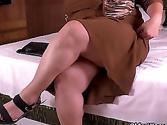 Latina Bbw MILF Carmen Has Nylon Fetish