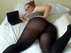 Amateur BBW Shwing Big Sexy Butt