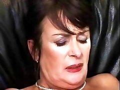 Old mature lady masturbating and fucking