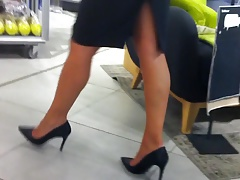 Milf in Heels And Tights