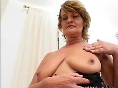 Dirty Mature Slut Goes Crazy Masturbating Hard Her Horn