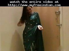 Very Sexy Desi Aunty In Saree Hindi Audio Indian Desi I