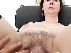 Spiky looking mama getting a gyno
