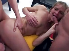 German mature savours cumloads after gangfuck