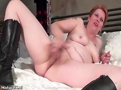 Mature Whore Finger Fucking Her Pussy By Maturex