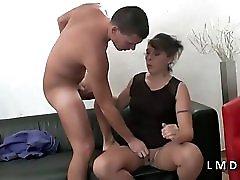 Maman Cougar Sodomisee Et Fistee Dans La Maison Du Sexe