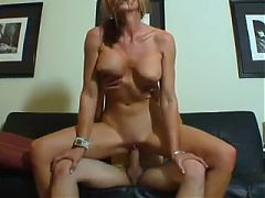 Fit Amateur MILF Memphis Fucks Younger Guy