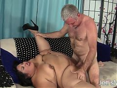 Fatty latina BBW Lorelai Givemore Wide Load Sex