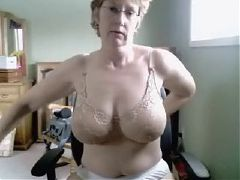 Russian sexy mature mom amateur
